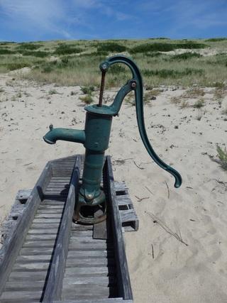 pompa abisynka nad morzem